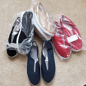 Shoes - Comfy slip on shoes